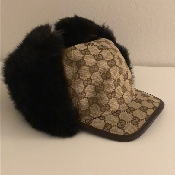 fff409bf0 Gucci Accessories - Gucci real fur canvas hat